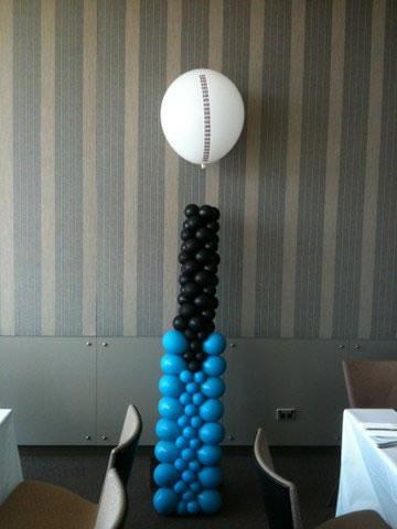 Cricket Bat and Ball Balloon Sculpture
