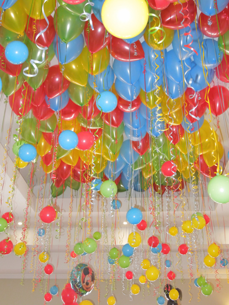 Ceiling balloons with baubles